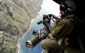 Picture weapons, soldiers, helicopter, machine gun