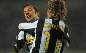 Picture joy, retro, football, celebrate, Juventus, Pavel Nedved, Alessandro Del Piero, it's snowing