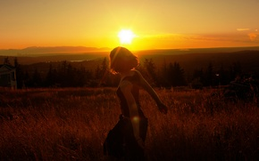 Picture GIRL, FOREST, NATURE, MOUNTAINS, HORIZON, The SKY, SUNSET, LIGHT, TREES, RAYS, SLOPE, DAL