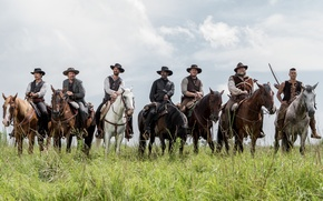Picture field, weapons, horses, horse, riders, action, cowboys, hats, Western, Indian, Denzel Washington, Ethan Hawke, Chris ...