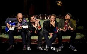 Wallpaper sofa, guitar, group, coldplay, Chris Martin, Johnny Buckland, Guy Berryman, Will Champion