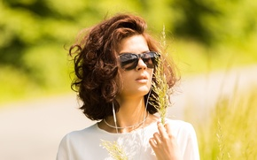 Picture glasses, brown hair, Nicole, a blade of grass, sunglasses, Nikol