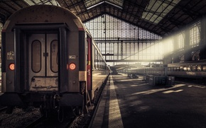 Picture the sun, station, train, the car, the platform, W/d, Austerlitz