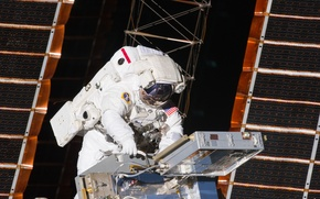 Picture space, astronaut, the suit, ISS, solar panels