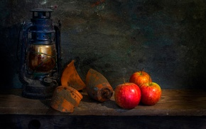 Picture fragments, apples, shards, lantern, Life goes on