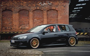 Picture volkswagen, wheels, gold, black, golf, tuning, bbs, germany, low, stance, mk6