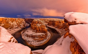 Picture winter, snow, USA, the Glen canyon, Horseshoe, Horseshoe Bend, Arizona, the smooth bend of the …