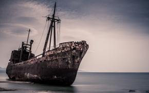 Picture sea, ship, scrap