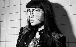 Picture Natalia Kills, eyes closed, Mirrors