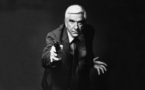 Picture comedian, actor, tie.weapons, male, Leslie Nielsen, Leslie Nielsen, comedian, gun