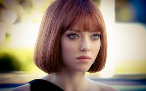 Picture the film, Girl, Time, actress, red, beautiful, Amanda Seyfried