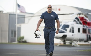 Picture frame, Dwayne Johnson, helmet, pants, hangar, Dwayne Johnson, t-shirt, pilot, form, San Andreas, glasses, tattoo, ...