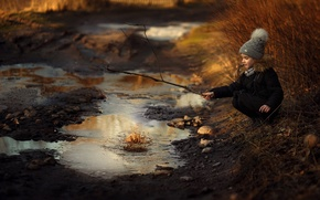 Picture road, puddle, girl