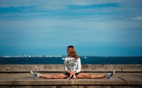 Picture twine, stretching, gymnast, Alyssa
