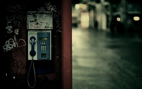 Picture the city, lights, booth, phone