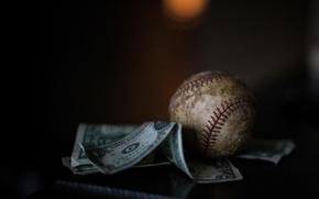 Picture the ball, money, Moneyball