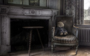 Picture room, chair, bear, fireplace