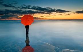 Picture clouds, sunset, people, umbrella, horizon, red umbrella, frozen sea