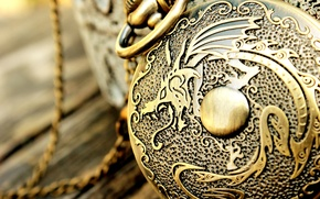 Picture dragon, watch, chain, engraving