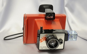 Picture background, flash, the camera, lens, viewfinder, plastic case, Polaroid Land Camera Electronic Zip