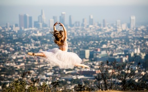 Picture the city, jump, dress, ballerina, in the background, Los Angeles, Pointe shoes, Beautiful ballet