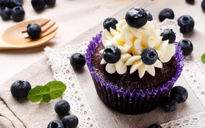 Picture berries, cakes, cupcake, dessert, cream, sweet, blueberries
