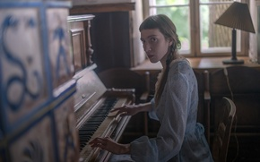 Picture girl, piano, music