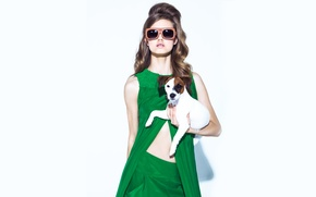 Picture retro, glasses, photoshoot, Lindsey Wixson, with a dog