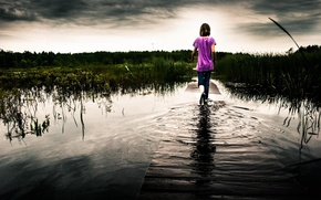 Picture play, girl, bridge, pond, walk the sky