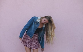 Picture girl, face, smile, background, wall, mood, hair