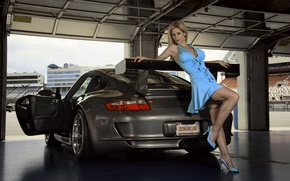 Picture garage, brunette, Porsche GT3