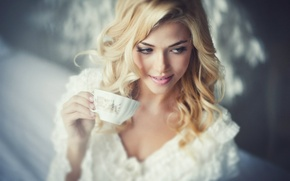 Picture smile, blonde, drink, tea