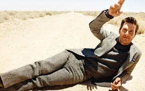 Picture road, sand, costume, actor, male, Matthew McConaughey, Matthew McConaughey