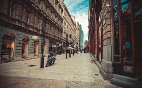Picture movement, people, street, old town, Budapest, boutiques