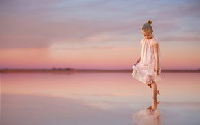 Picture reflection, dress, girl