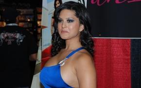 Picture chest, model, brunette, Sunny Leone