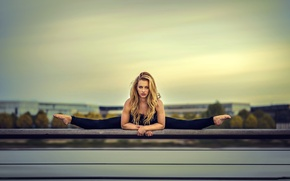 Picture BACKGROUND, BLONDE, LOOK, The SKY, FLEXIBILITY, TWINE, GYMNASTICS, STRETCHING, RAILINGS