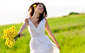 Picture greens, field, grass, look, freedom, girl, happiness, flowers, pose, smile, hair, laughter, bouquet, spring, hands, …