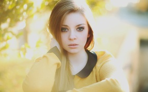Picture portrait, redhead, in yellow