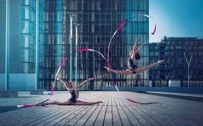 Picture the city, dance, grace, gymnasts