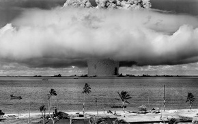 Picture weapons, a nuclear explosion, the shock wave, nuke