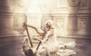 Picture fantasy, Golden elf with arp in fantasy land, Sara Alamo, elf girl