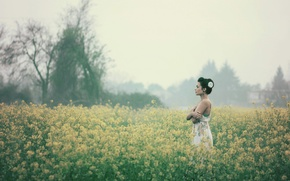 Picture field, girl, flowers, fog