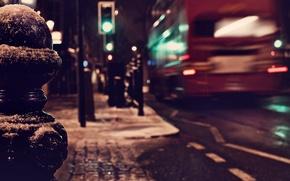 Picture winter, road, macro, night, the city, lights, England, London, traffic light, lights, UK, bus, the …