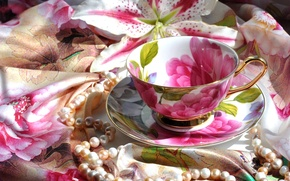 Picture Lily, necklace, Cup, shawl, saucer