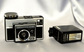Picture background, camera, American, shutter, aperture, electric eye, CdS meter, Kodak Instamatic X-45, flash SITROBE-X