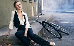 Wallpaper costume, Kirsten Dunst, The Edit, street, makeup, Kirsten Dunst, actress, Bjorn Iooss, model, sitting, photographer, ...