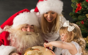 Picture girl, smile, holiday, hat, tree, new year, Christmas, girl, Santa Claus, globe
