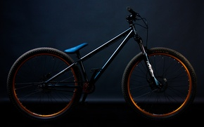 Picture bike, street/dirt, norco