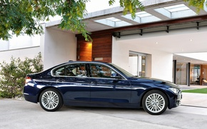 Picture reflection, mansion, BMW 320d